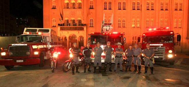 Fifa Fan Fest reúne 35 mil em SP e bombeiros estavam lá