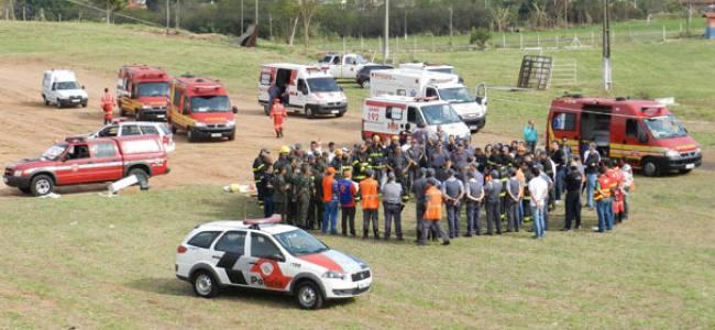 Bombeiros realizam simulação de ocorrência em Presidente Prudente