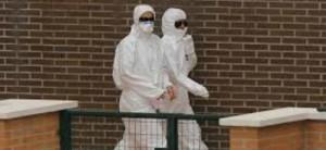 El hospital español que atiende los casos de ébola refuerza su protocolo