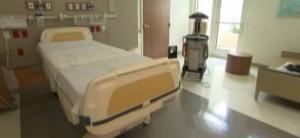 Robots para proteger al personal sanitario del ébola