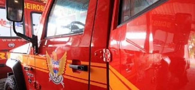 Alagoas entrega três novas viaturas ao Corpo de Bombeiros
