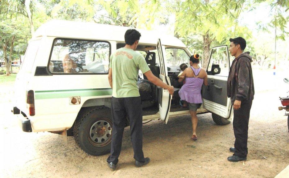Única ambulancia de la colonia Táva Jopói no tiene freno, embrague ni luz