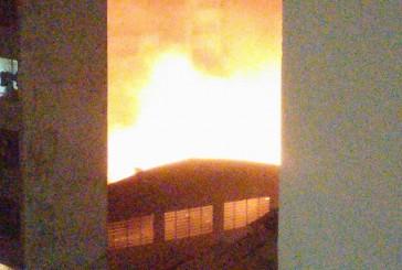 Incêndio atinge shopping no bairro do Brás, em SP