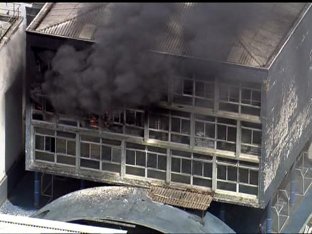 Mulher morre em incêndio no Centro de São Paulo