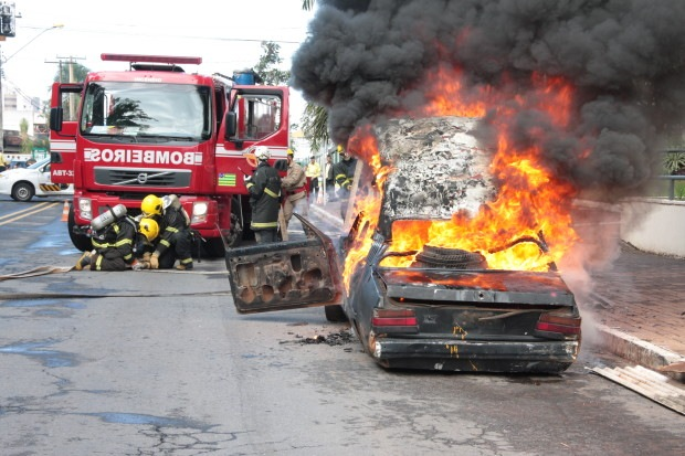 Bombeiros de Goiás realizam simulado operacional