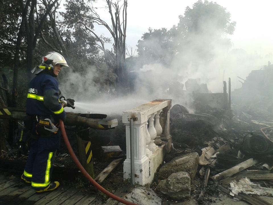 42 morts dans une collision car-camion