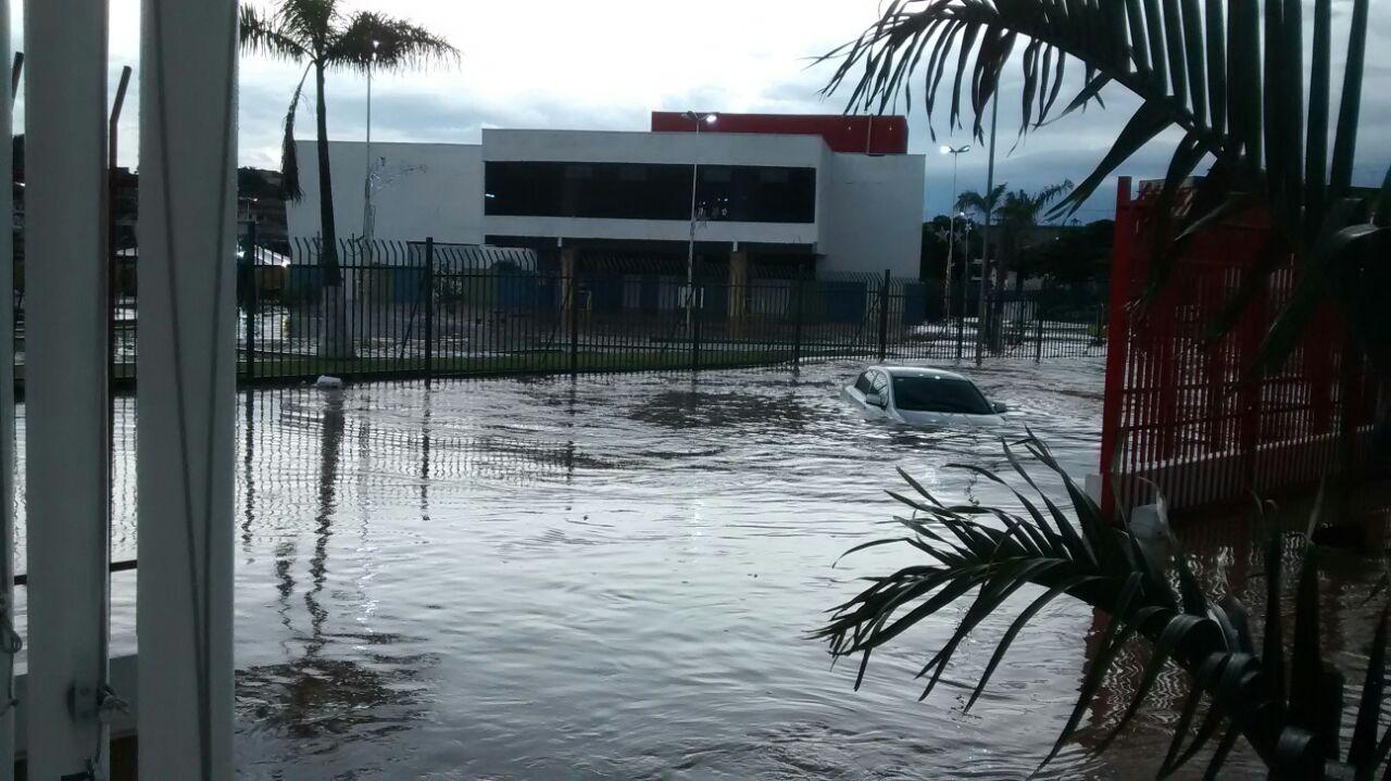Guatemala: Llevan ayuda a afectados por inundaciones del fin de semana