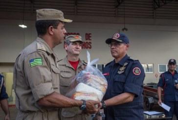 Bombeiros de Goiás doam 60 toneladas de alimentos para o Acre