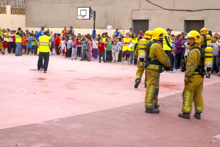 Guía escolar para la planificación y desarrollo de simulaciones y simulacros de emergencias