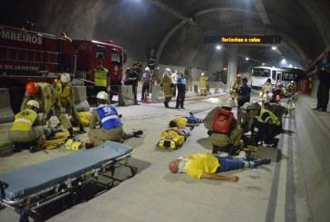 Bombeiros do Rio de Janeiro realizam simulado de colisão com múltiplas vítimas