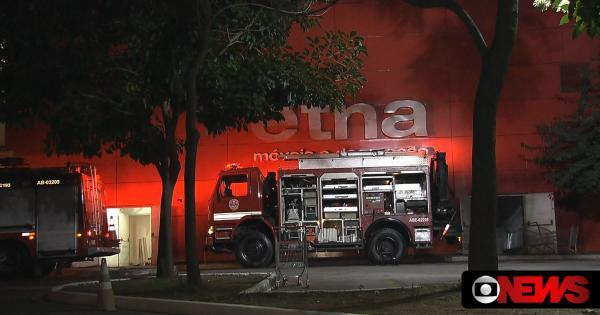 Incêndio atinge loja de móveis Etna no Tatuapé, zona leste de SP