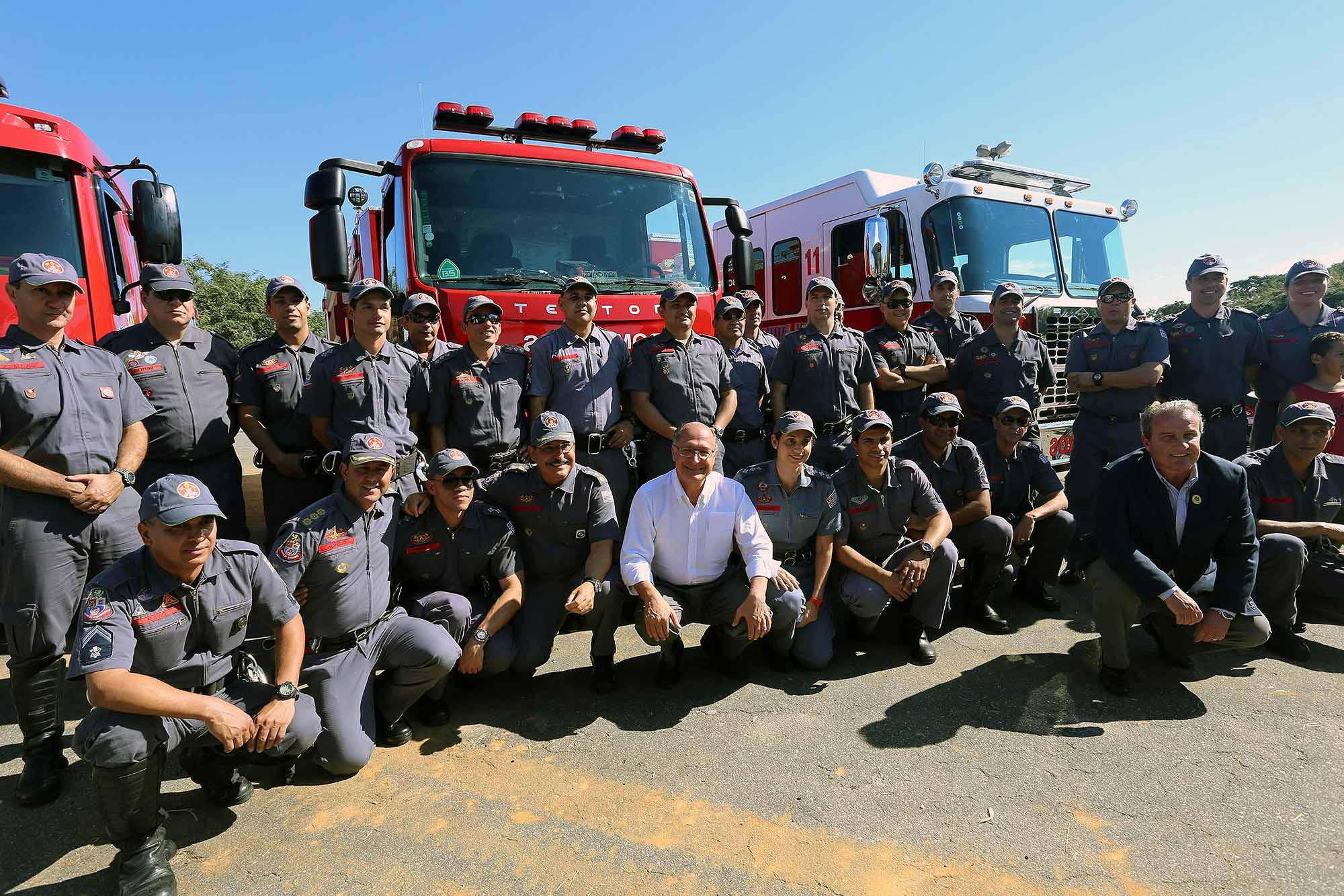 Bombeiros do Vale do Paraíba recebem novas viaturas e equipamentos