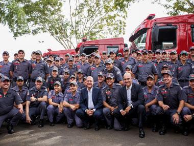 Governador entrega viaturas e equipamentos aos bombeiros de Rio Preto, Marília e Araçatuba