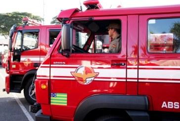 Bombeiros de Goiás recebem novas viaturas e equipamentos no dia do bombeiro