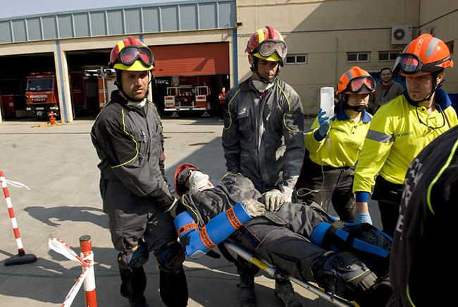 Los Bomberos probarán en la Romería un todoterreno con material de salvamento en medio vertical