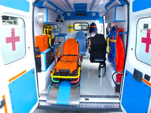 España – Características técnicas, equipamiento sanitario y dotación de personal de los vehículos de transporte sanitario