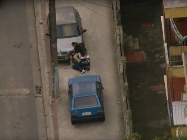 Vinte e sete batalhões da PM fazem ação no RJ para buscar 'Fat Family'