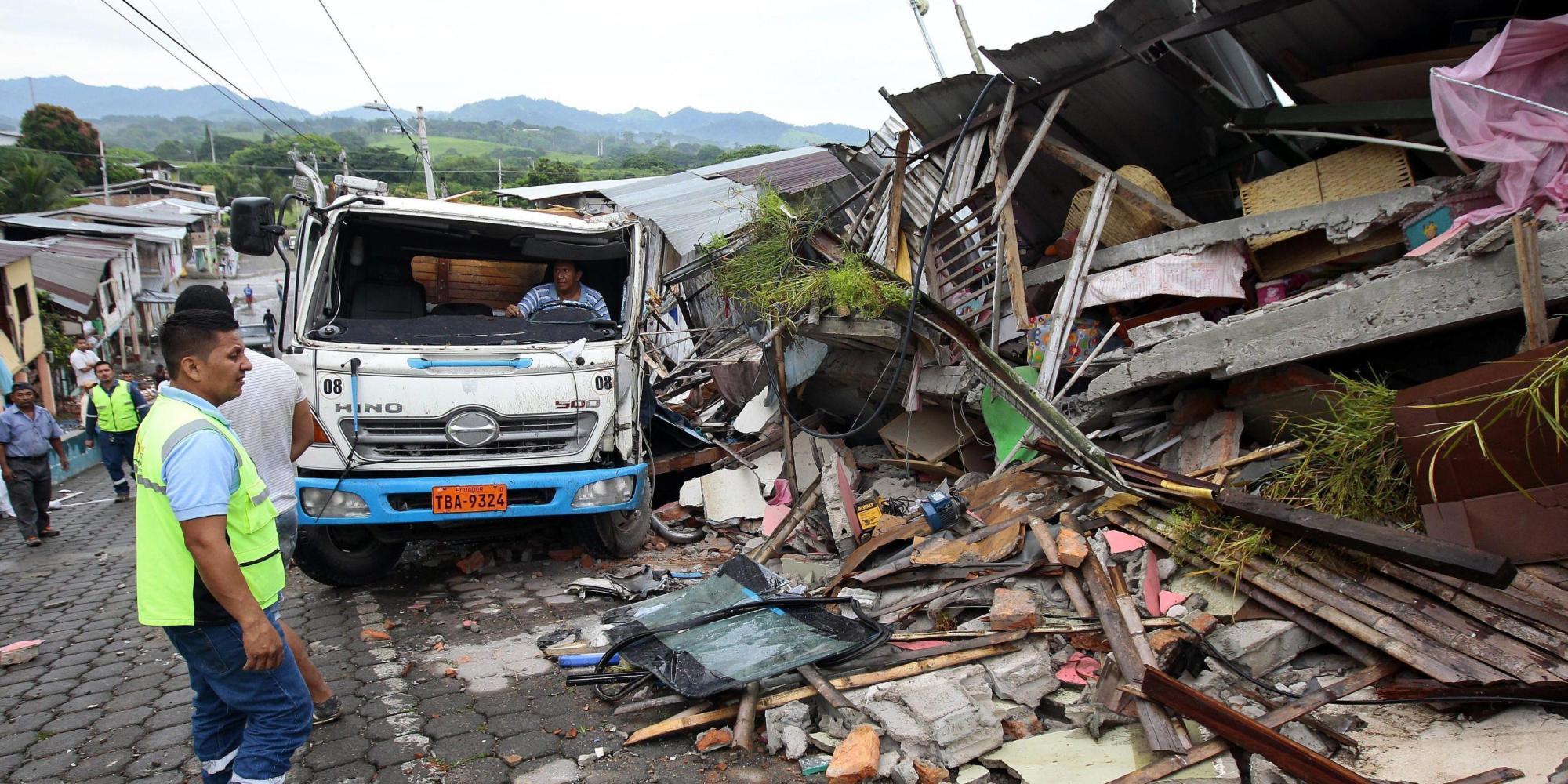 Seis meses después del terremoto, más de 300.000 ecuatorianos necesitan vivienda segura