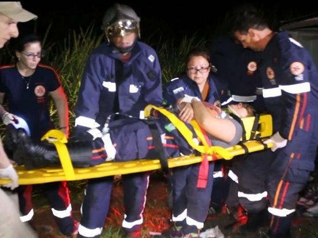 Ladrões em fuga colidem de frente com viatura do SAMU no PR