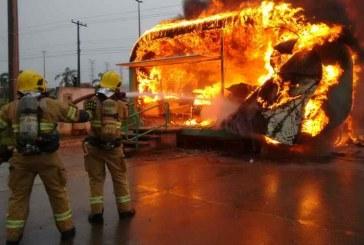 Incêndio atinge base da Polícia Militar no DF