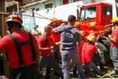 Bombeiros resgatam homem que caiu em poço em São Paulo