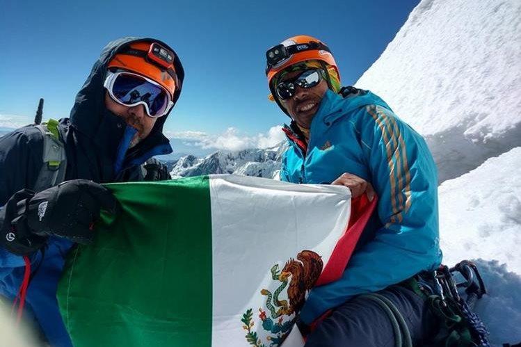 Rescatistas de Perú hallan los cuerpos de tres montañistas que quedaron atrapados en una avalancha