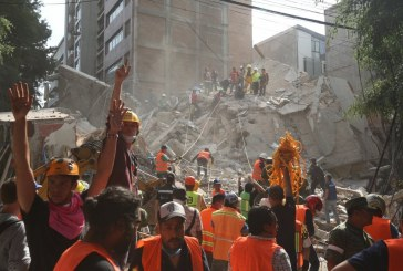 México sufre un brutal terremoto que deja más de 200 muertos