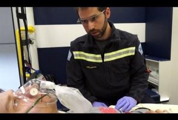 Tablettes numériques et lunettes connectées, les équipements des nouvelles ambulances