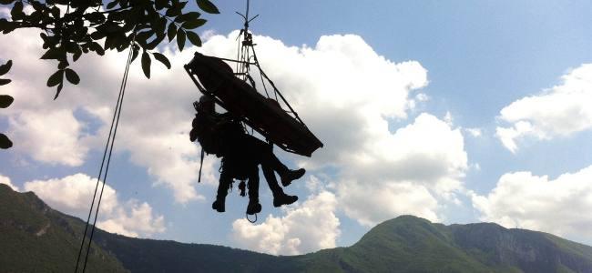 Il recupero di un infortunato in parete con il Soccorso Alpino di Verona
