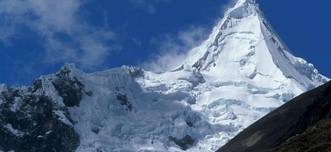 Due alpinisti italiani scomparsi nel ghiacciaio andino dell'Alpamayo