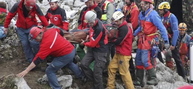 Soccorso allo speleologo del Riesending, il ferito è salvo