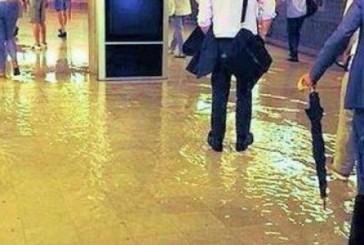 Maltempo, allagata la metro di Milano, Seveso esondato