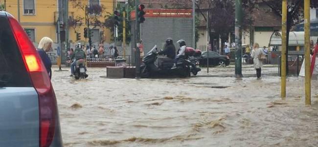 Maltempo, esonda il Seveso, Milano è in tilt