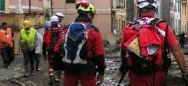 Alluvione Genova: ancora emergenza. Al lavoro 120 volontari della CRI