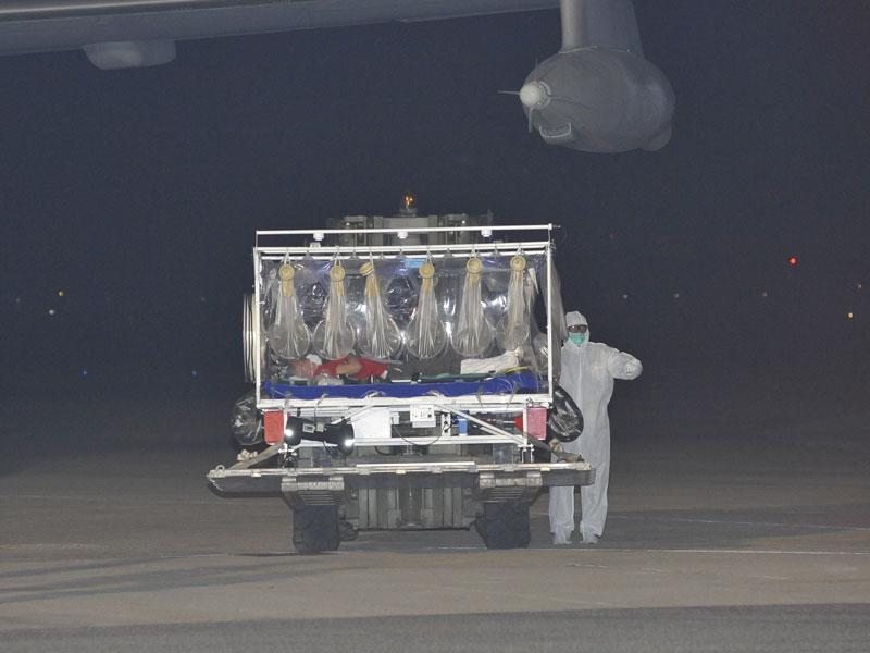 Ebola_Aeronautica6