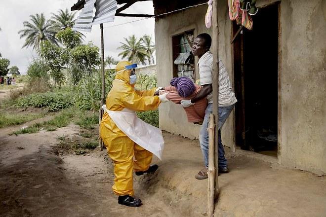 """""""Parole contro Ebola"""": La Croce Rossa chiede la tua voce contro questo flagello"""