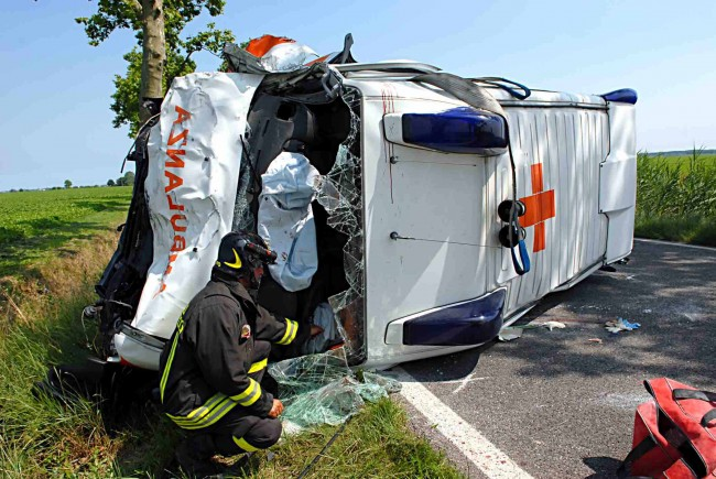 Ambulanza incidentata crash