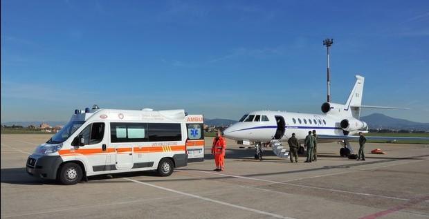 Aeronautica: trasportate nella notte due donne in attesa di trapianto