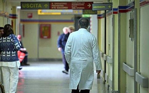 Orari di lavoro, i medici Assomed vogliono il risarcimento per il mancato riposo