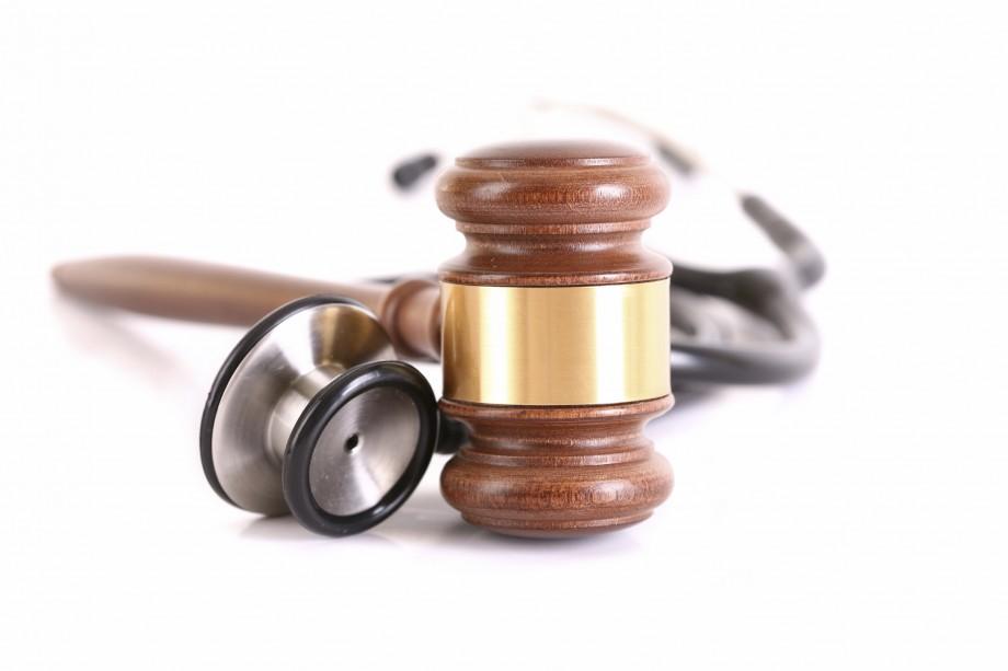 Responsabilità civile medica: il decreto Balduzzi non ha funzionato