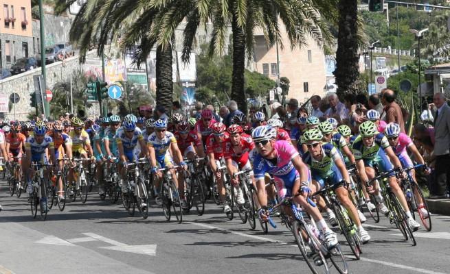 Giro d'Italia, come si garantisce la sicurezza di un evento sportivo complesso?
