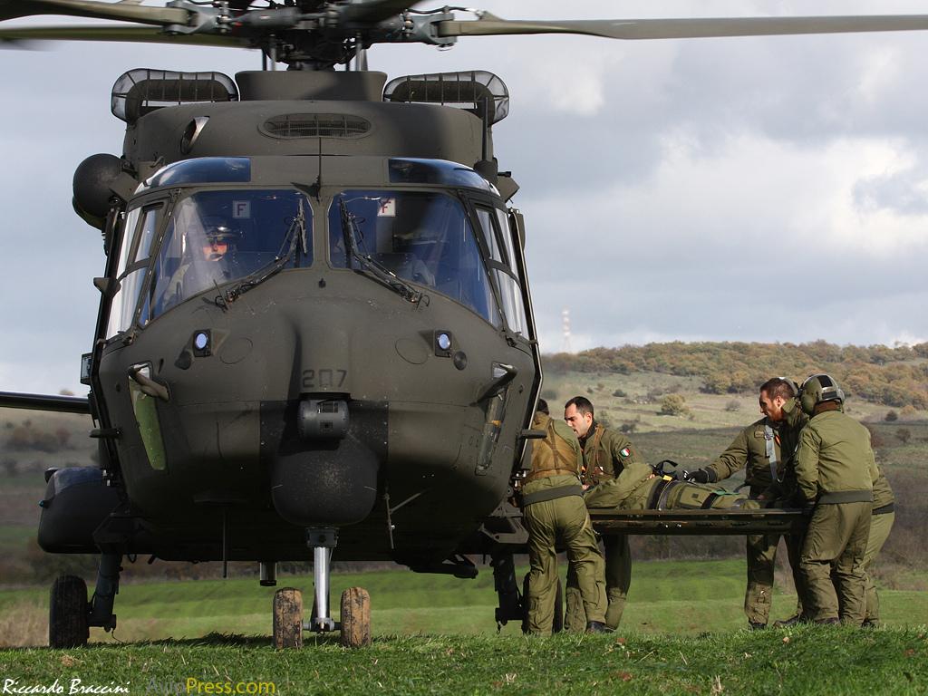 Il MEDEVAC con elicotteri dell'Esercito italiano