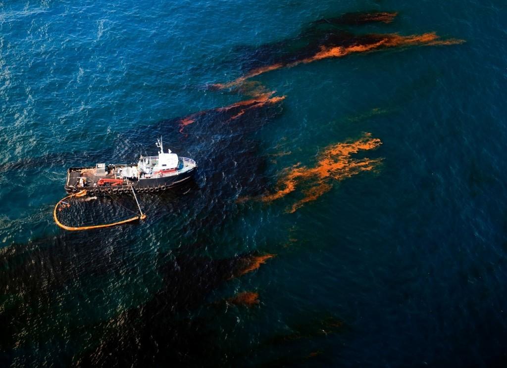 Sversamento in mare e disastri ambientali, una rete di emergenza Italia-Albania