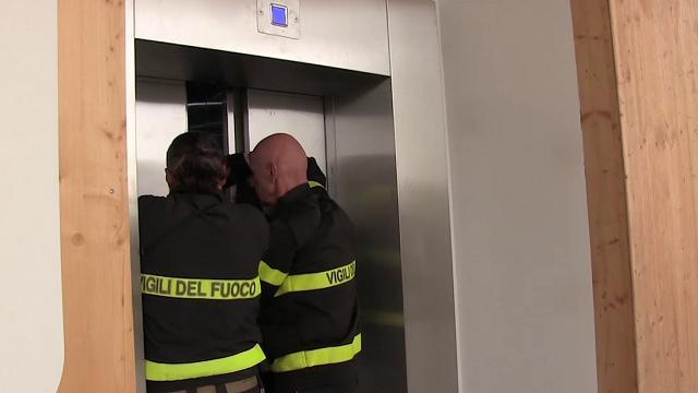 Tragedia di Roma: Cosa fare se si guasta un ascensore