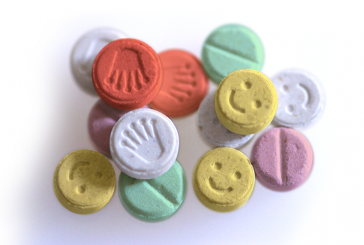 Droga: Ecstasy e insufficienza renale, come uccide una pasticca?