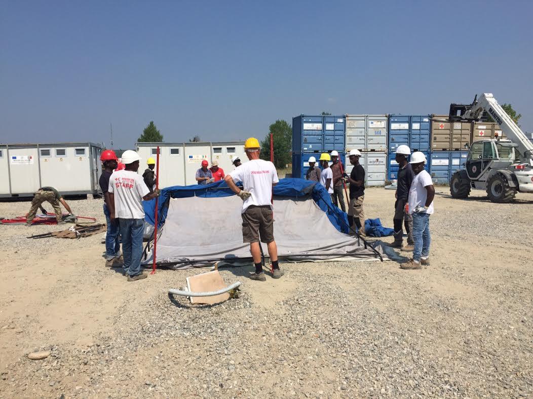 Nuova tendopoli per i migranti a Torino, attiva fino a ottobre 2015
