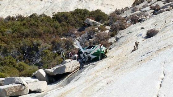 L'equipaggio dell'elicottero precipitato sull'isola di Montecristo è salvo: ecco come è avvenuto l'incidente