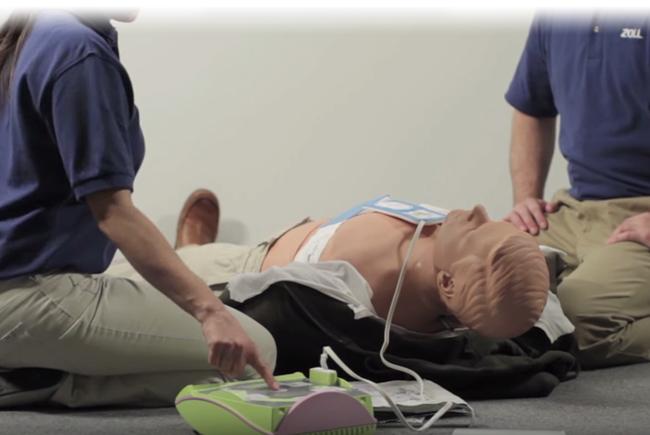 La Toscana fa il passo del gambero e proroga di un anno l'installazione dei defibrillatori