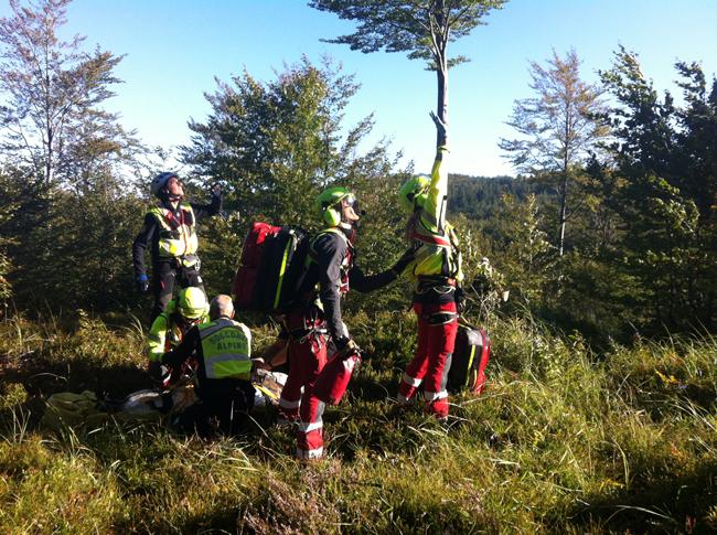 Soccorso Alpino Emilia-Romagna: A Bardi (PR) salvato un cacciatore caduto per 15 metri