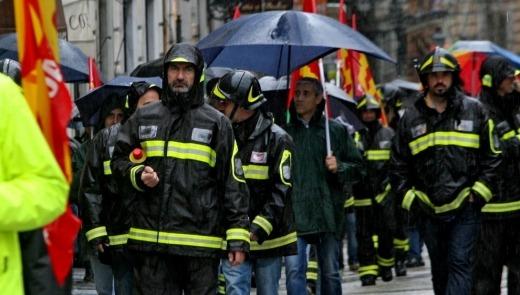 Sciopero dei Vigili del Fuoco a Roma, la protesta generale delle USB
